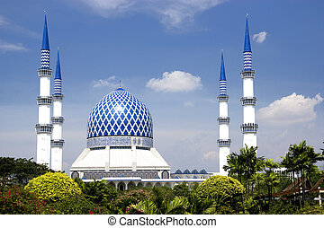 Blue Mosque - Sultan Salahuddin Abdul Aziz Shah Mosque or ...