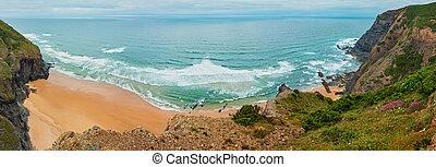 Summer Atlantic rocky coast (Algarve, Portugal). - Sandy ...