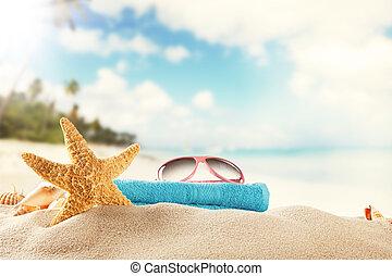 Summer beach background - Sandy summer beach with blur sea...