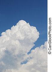 summer cloud in blue sky