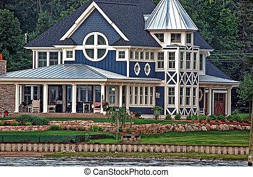 Summer Cottage - Lavish summer cottage on the lake.