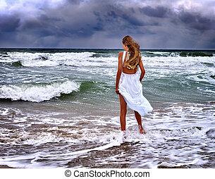 summer girl sea go on water