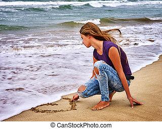 summer girl sea look on water