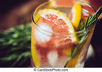 summer healthy drink - Frech chilled grapefruit mineral...