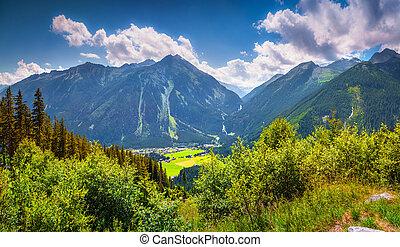 Summer sunne view from Gerlos pass of Acshelkopf mountain ...
