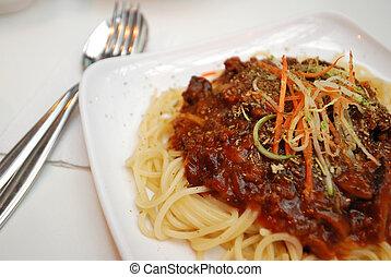 Sumptuous vegetarian spaghetti
