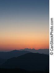 Sun setting over 3 valleys 2