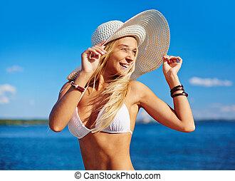 sunbather, feliz