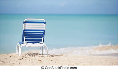 Sunbed on white tropical caribbean beach - Chaise-longue on...