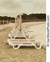 sunbeds, sunset., playa, vacío, spain.