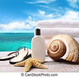 sunblock lotion, und, handtücher, und, wasserlandschaft,...