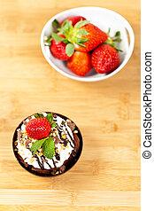 Sundae Mousse with strawberry