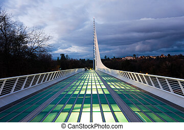Sundial Bridge at night - Famous Sundial Bridge in Redding ...