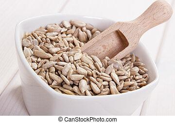 Sunflower seeds containing zinc and dietary fiber, natural...