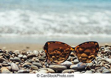 sunglasses, morze, coast.