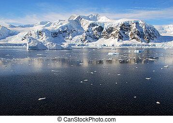 Sunny antarctic landscape