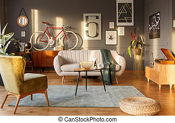 Sunny good vibes retro flat - Light color sofa, green...