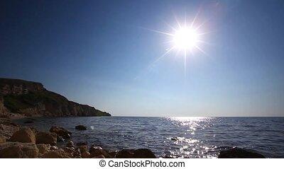 Sunny landscape, summer sea - Landscape with horizon over...