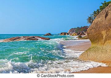 Sunny morning on the beach of Lamai. Samui Island. Thailand.