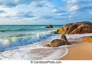 Sunny morning on the beach of Lamai.Samui Island. Thailand.