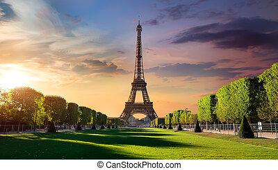 Sunrise and Eiffel Tower