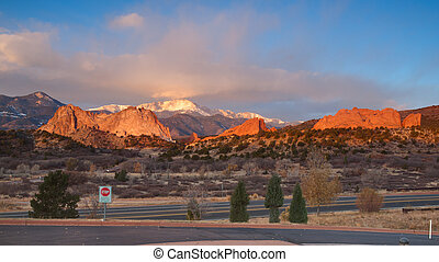 Garden of the Gods - Sunrise at Garden of the Gods Rock...