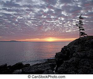 Sunrise at Great Head