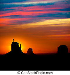 Sunrise at Monument Valley at Mittens and Merrick Butte