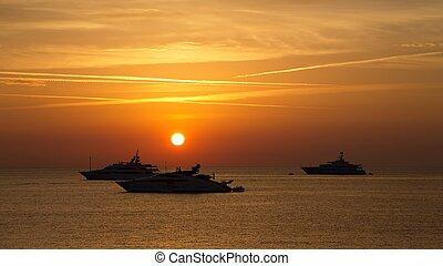 Sunrise in Antibes