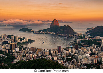 Sunrise in Rio de Janeiro With Sugarloaf Mountain - View of ...