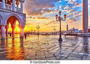 Sunrise in Venice - Piazza San Marco at sunrise, Vinice,...