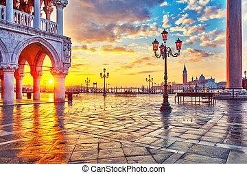 Sunrise in Venice - Piazza San Marco at sunrise, Vinice,...