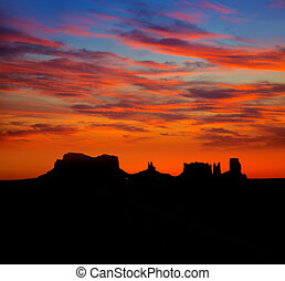 Sunrise on US 163 Scenic road to Monument Valley Park
