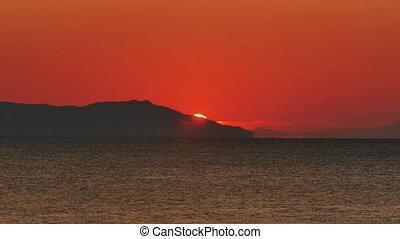 sunrise over sea 4k