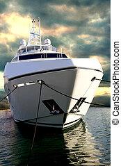 Sunseeker Yacht at DBIS - The massive sunseeker yacht at...