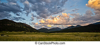 Sunset at Rocky Mountain National Park in Colorado - Sunset...