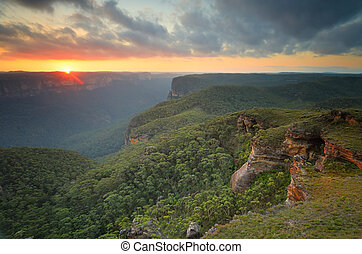 Sunset Blue Mountains Grose Valley - The sun sets in the ...