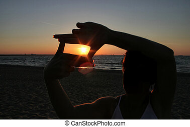 sunset capture - person isn\\\'t identifable