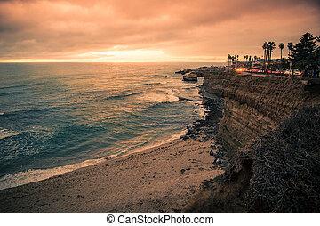 Sunset Cliffs San Diego - View of beautiful San Diego ...