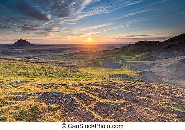 Sunset in Iceland - Sunset over Reykjanes peninsula in ...