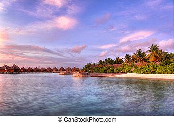 Sunset in the paradise - Beautiful vivid sunset over beach ...