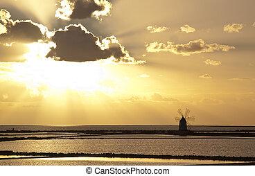 Sunset on saltern septies - Sunset on Stagnone saltern,...