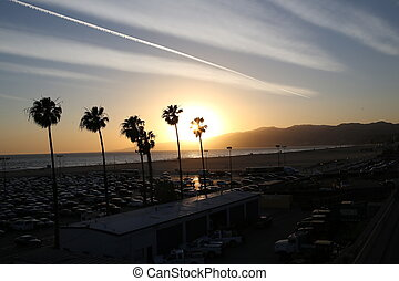 Sunset on Santa-Monica beach - Santa-monica beach, los...