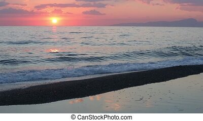 Sunset on sea beach - Beautiful tropical sunset on the sea ...