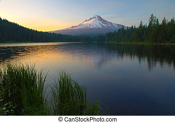 Sunset on Trillium Lake