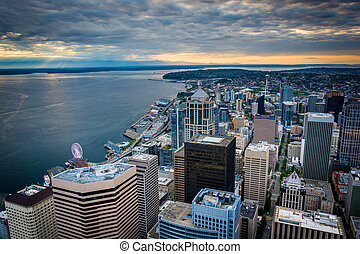 Sunset over the downtown skyline, in Seattle, Washington.