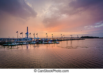 Sunset over the Potomac River, in National Harbor, Maryland.