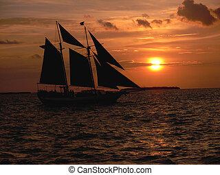 sunset sailboat silhouett