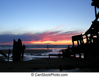 Sunset Shipwreck 1 - The wreck of the Peter Iredale...