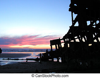 Sunset Shipwreck 2 - The wreck of the Peter Iredale...